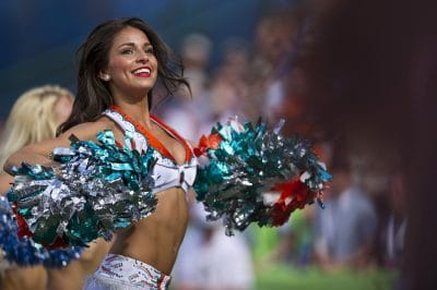 Cheerleaders accuse NFL of conspiracy to suppress wages